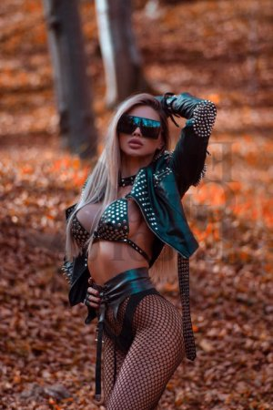Anatolie escort girl in Woodbury New York