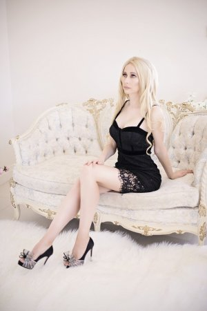 Marie-may escort girl